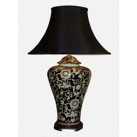 Stolní lampa s jemným květinovým vzorem na černomodrém podkladu./5515